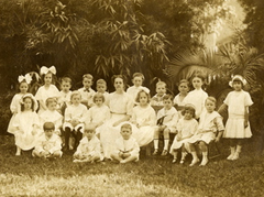 kindergarten 1909 image courtesy of flickr user dmason